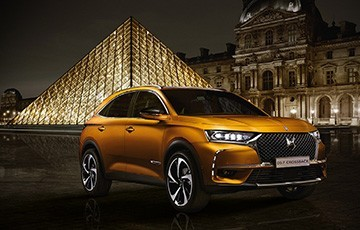 DS7 Crossback equipped Connected Vehicle Modular Platform